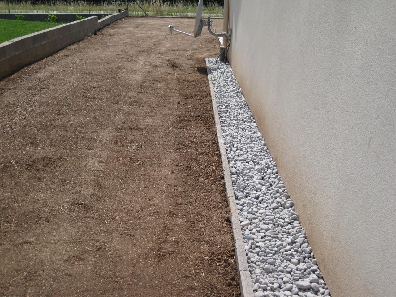 Img 0661 galet bordue for Bordure de terrasse en galet